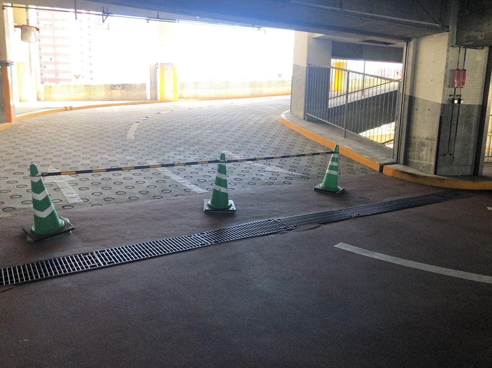 駐車場封鎖状況