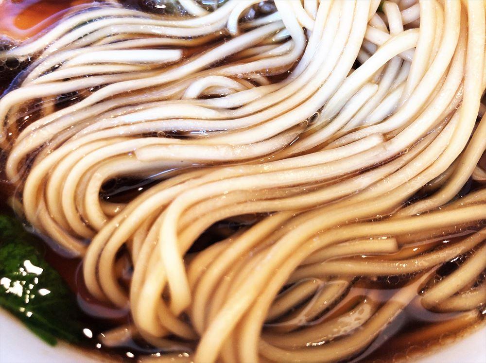 らぁ麺 めん奏心「金谷n BLACK」の麺