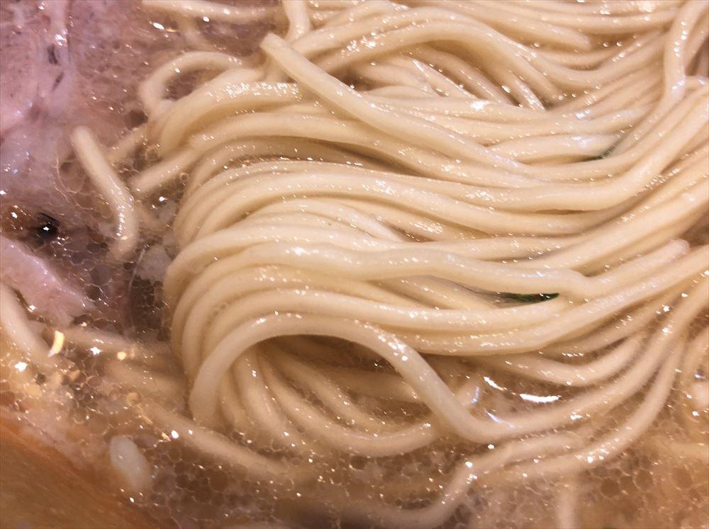 7福神壱「煮干し塩」の麺