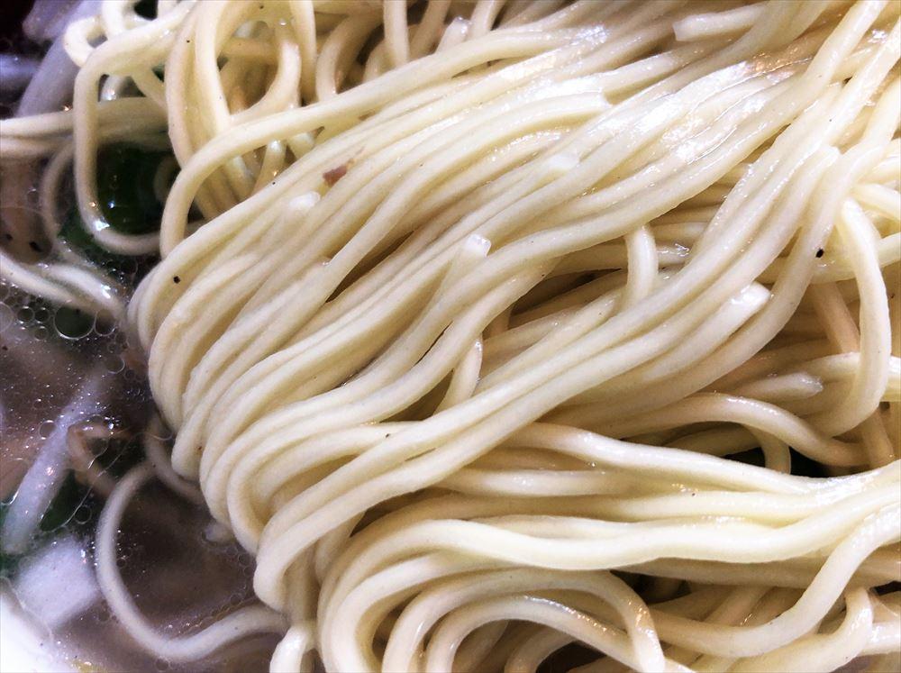麺屋 KAZU-G「塩野菜タンメン」の麺