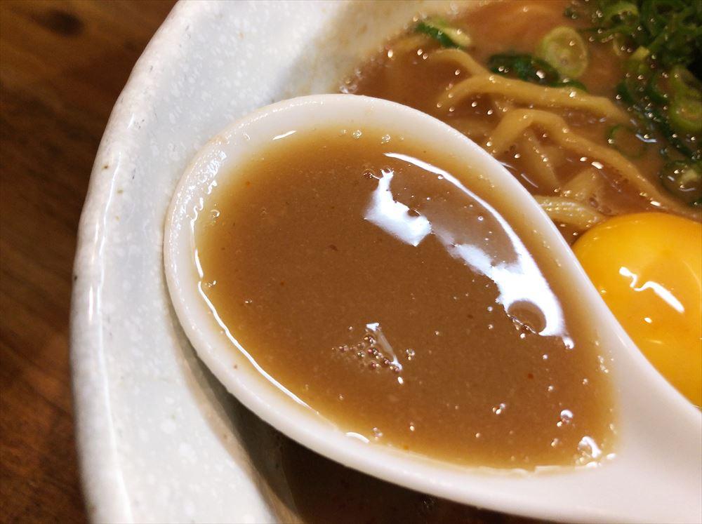 豚そば 一番星「豚そば」のスープ