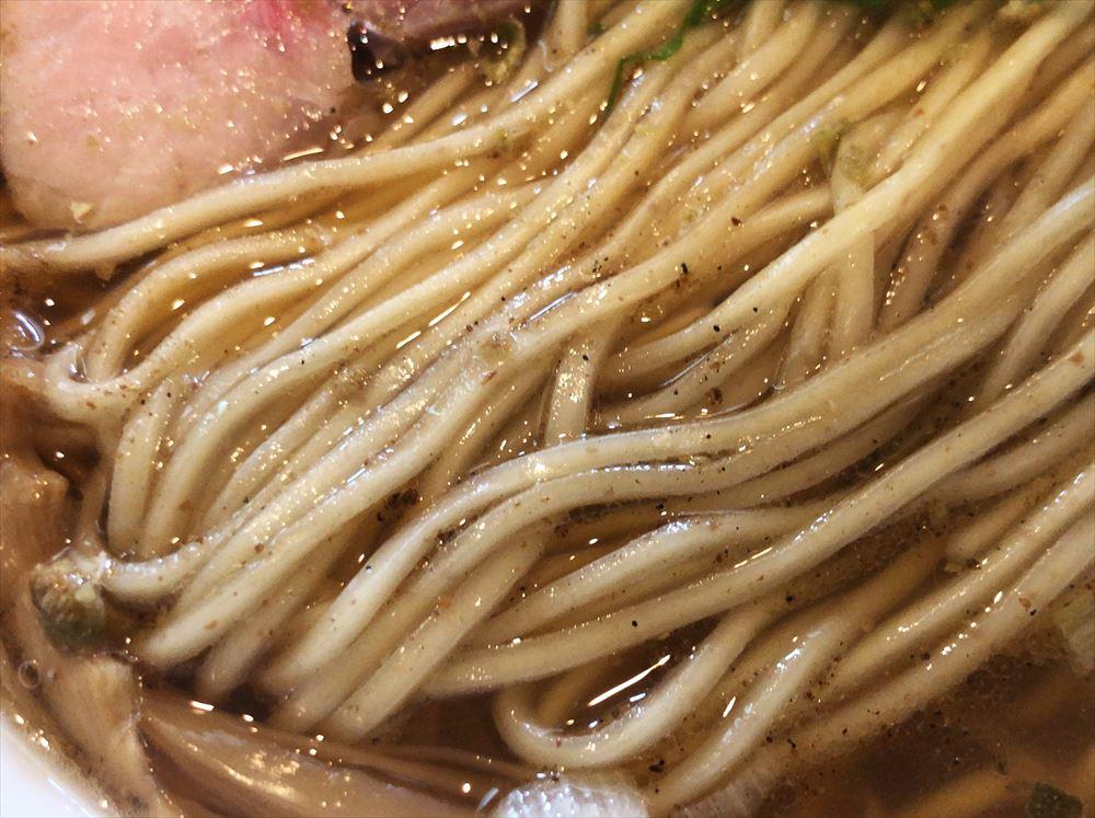 麺屋 菜花奈「山椒拉麺」の麺