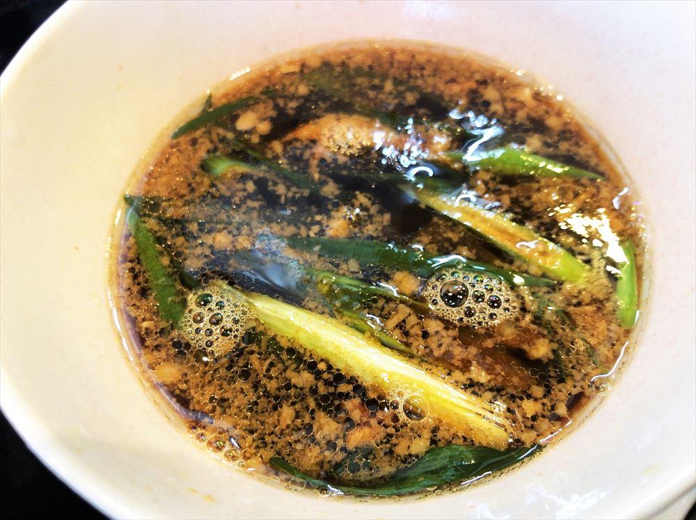 麺創 なな家「酢じめサンマの生姜醤油つけ麺」のつけ汁