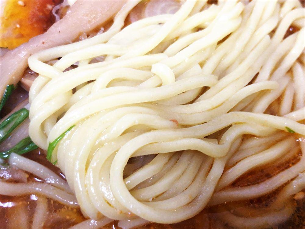 ちっきん「ラートマ」の麺