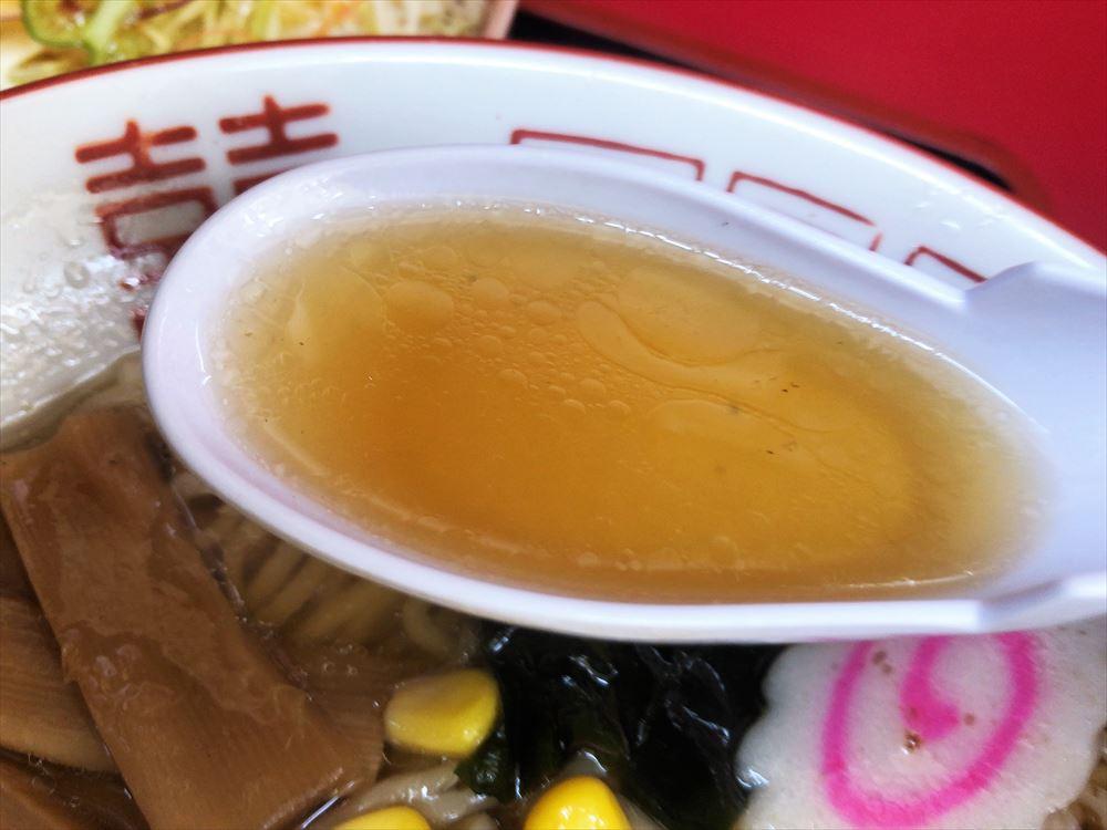新華亭「半チャンセット」ラーメンのスープ