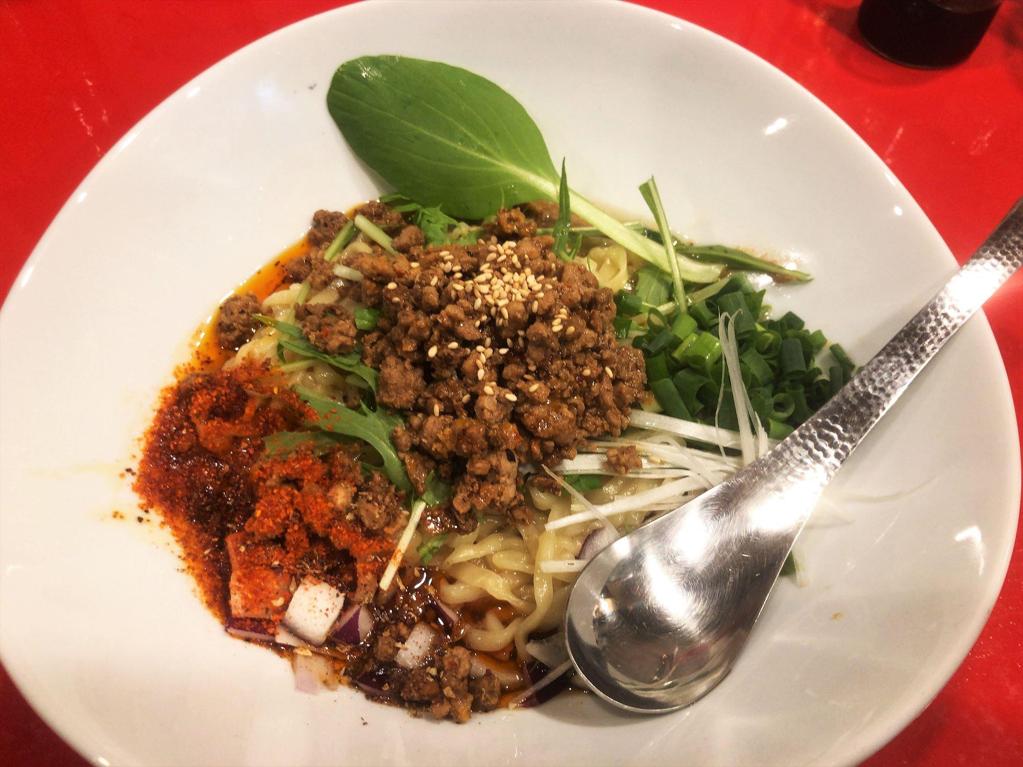 汁なし担々麺っぽい専門店 ラボラトリー「ラボタン白(辛さ3、痺れ3)」