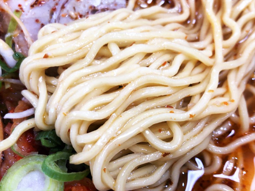 カナキン亭 八楠店「プロペラ麺」の麺