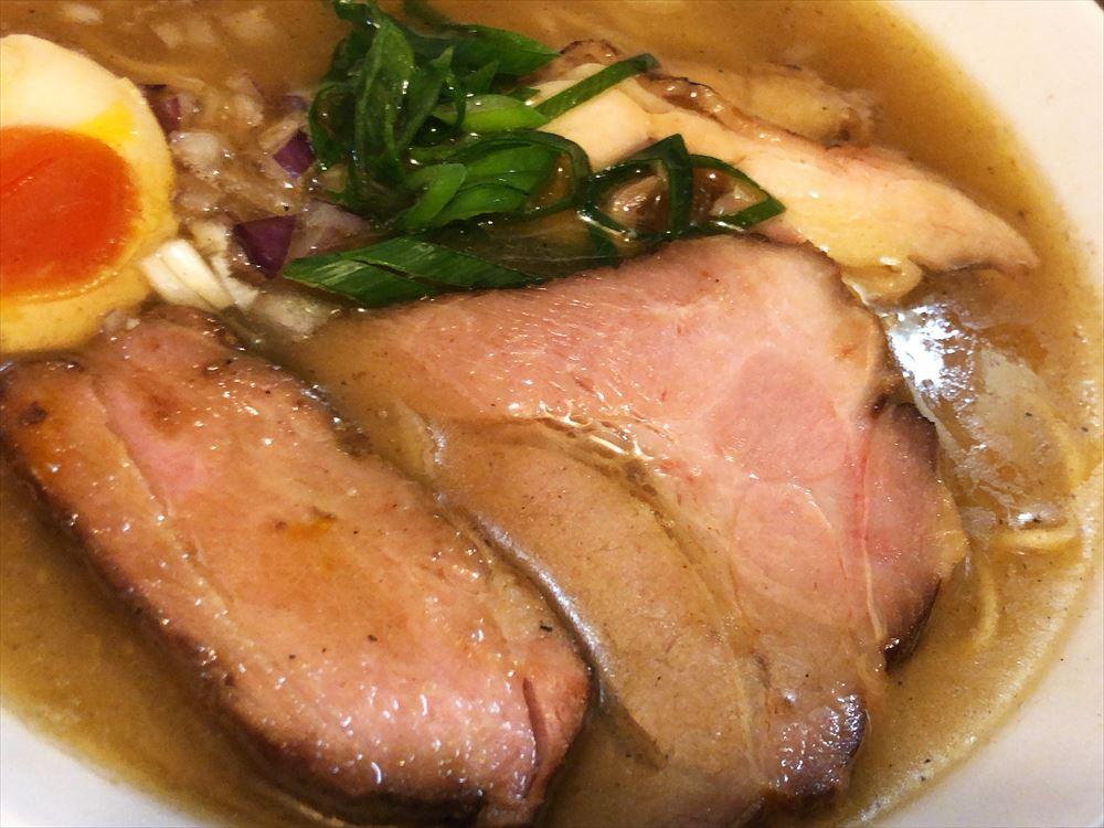 鶏こく中華 すず喜「こく塩」のチャーシュー