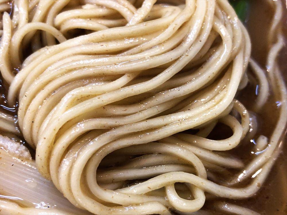 濃厚中華そば 麒麟「中華そば・鰹」麺