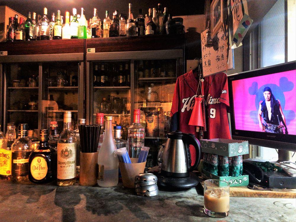 食事と酒の店 デジャブの内観