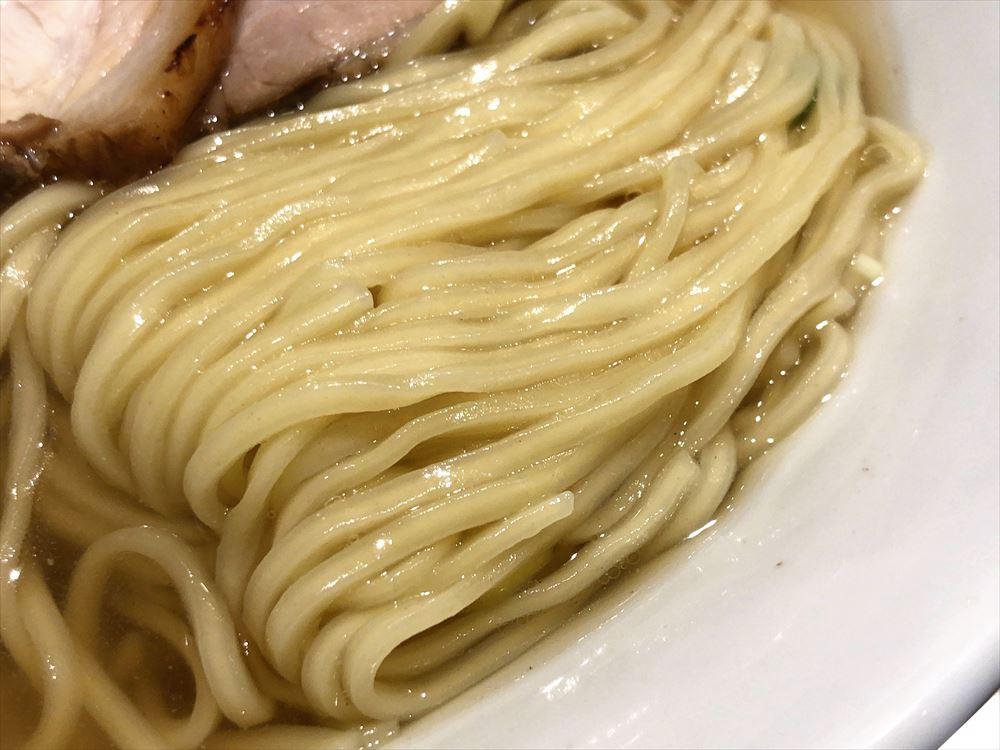 函館塩ラーメン 五稜郭「ラーメン」の麺
