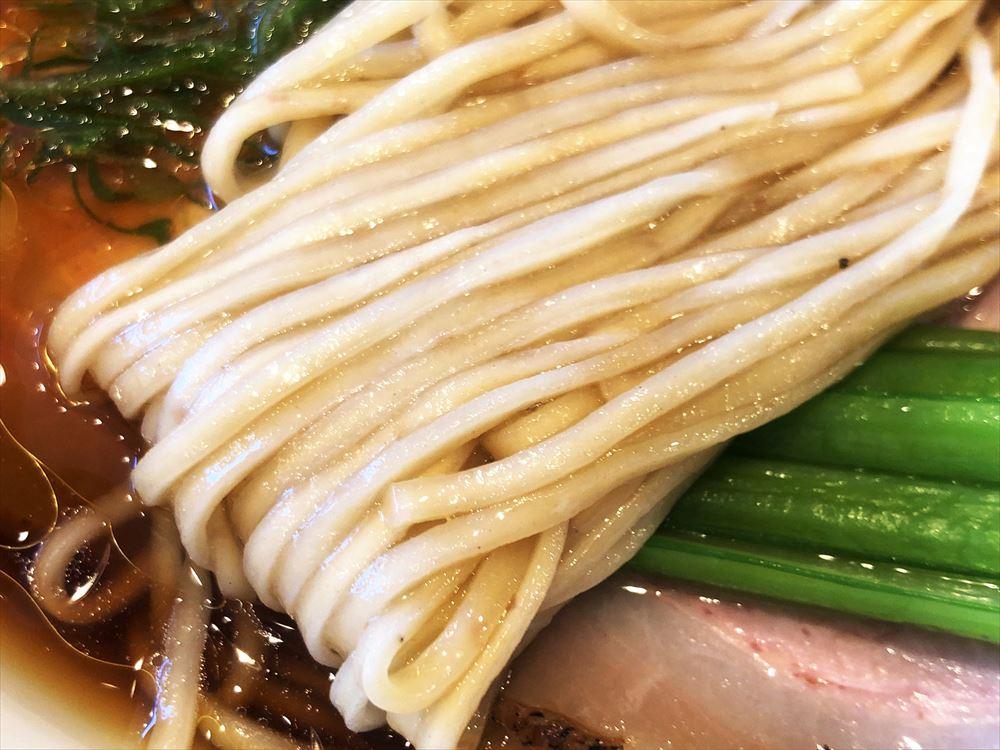 麺屋 さすけ 本店「地鶏醤油そば」麺