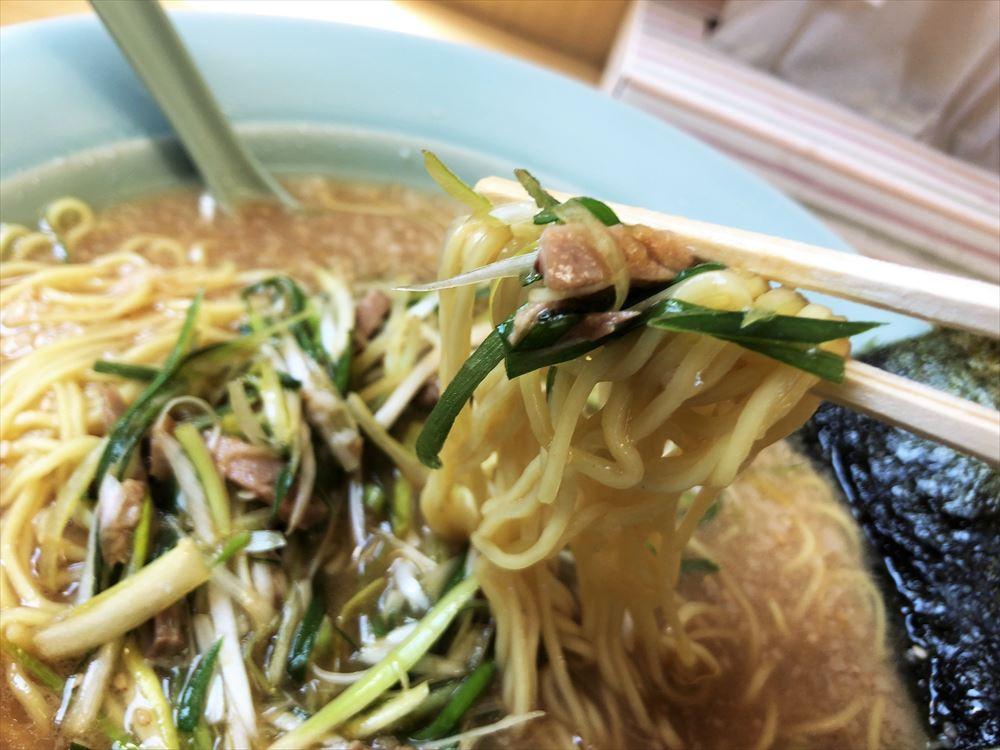 ラーメンショップ 袋井店「ネギ味噌ラーメン(大)」麺