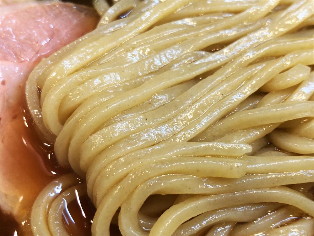 らぁ麺 幸跳「丸鶏たまり醤油らぁ麺」麺
