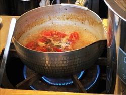 らぁ麺 めん奏心「完熟トマトの汐そば」調理中