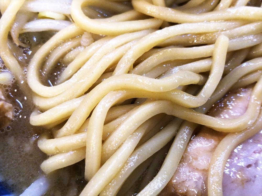 豚そば 一番星「星郎」麺