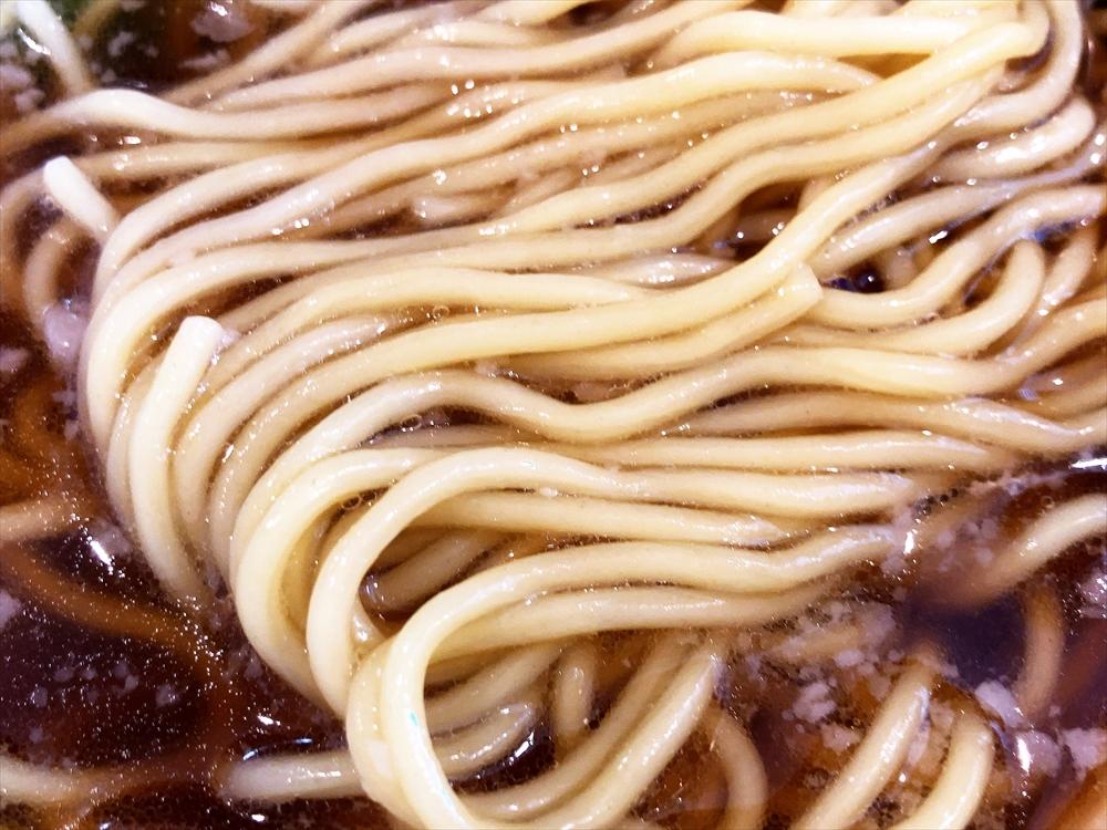 ラーメン ろたす「正油クラシック」麺