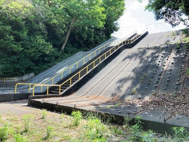 住吉公園「ジャンボ滑り台」