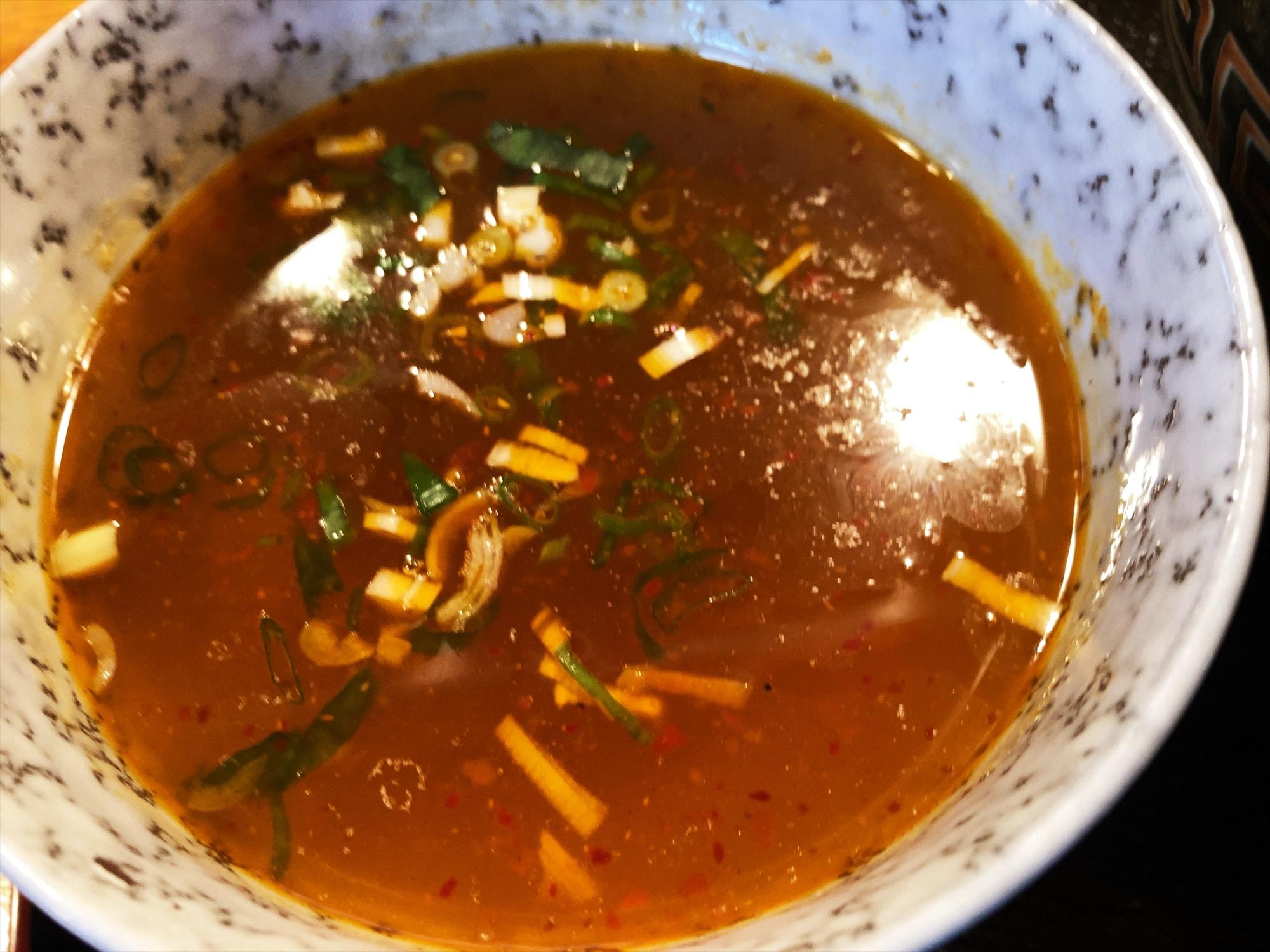 聖夜「塩つけ麺(特)」つけ汁