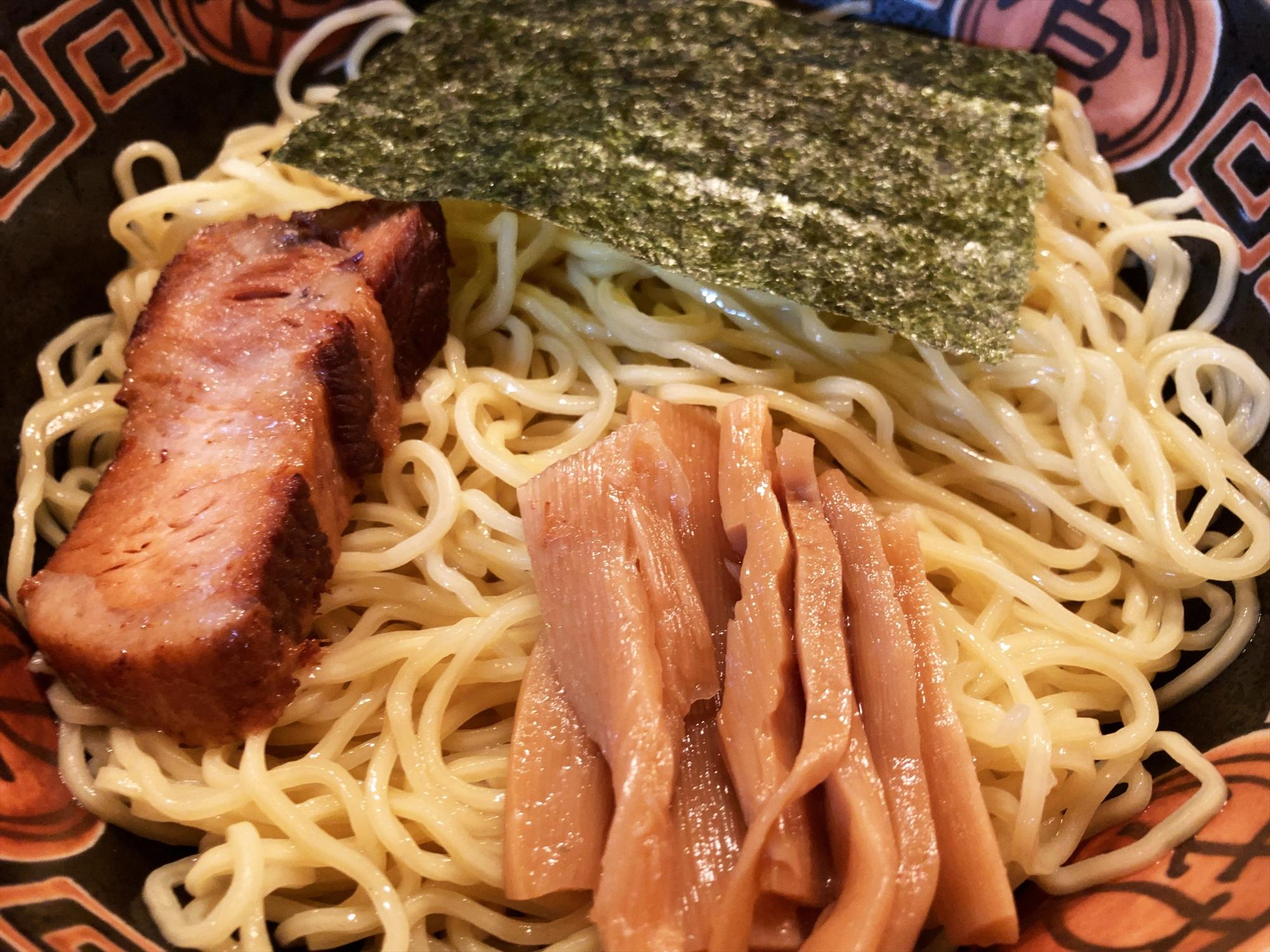聖夜「塩つけ麺(特)」麺