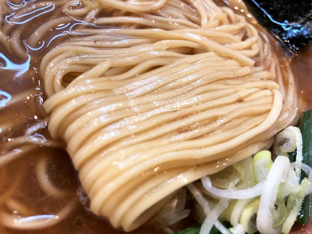 濃厚中華そば 麒麟「中華そば かつお」麺