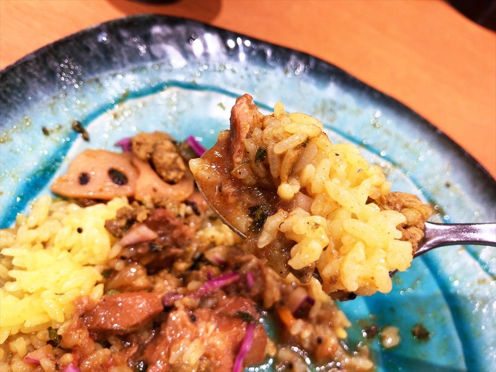 SPICE CURRY GHAL「GHALチキンカレーと煮干し出汁醤油 豚キーマ」
