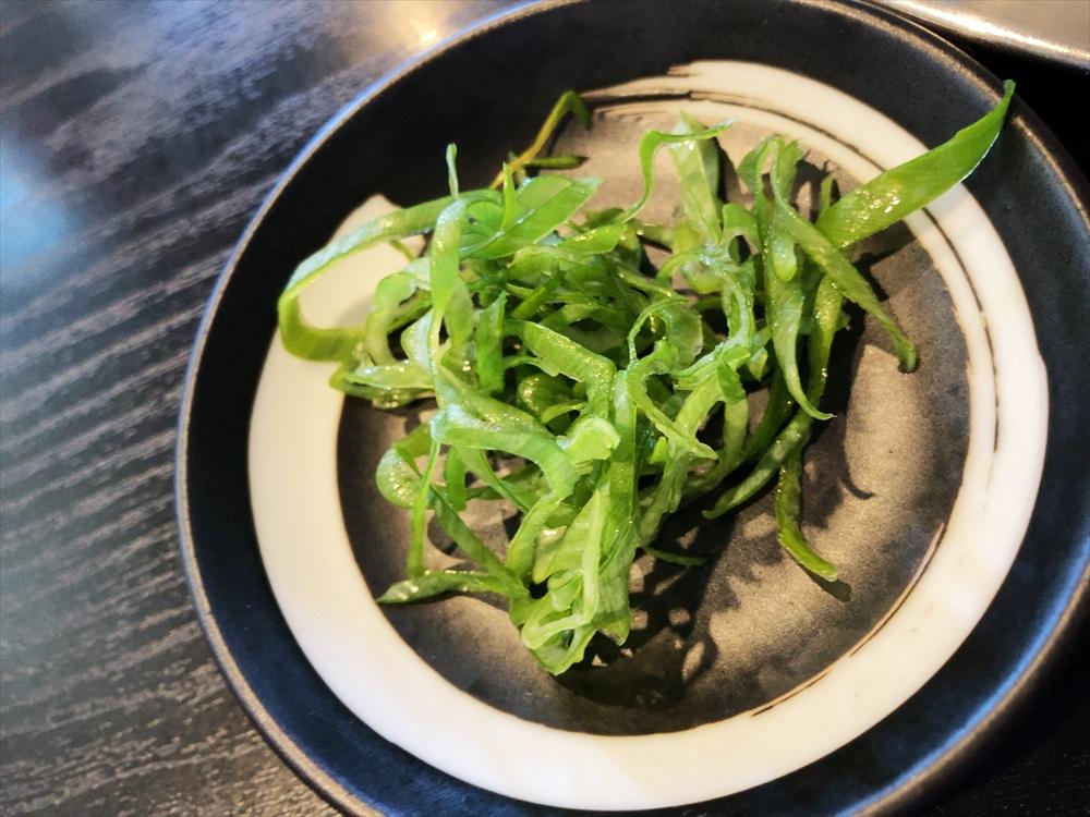 麺屋 菜花奈「地鶏出汁(かけ)・醤油」ネギ