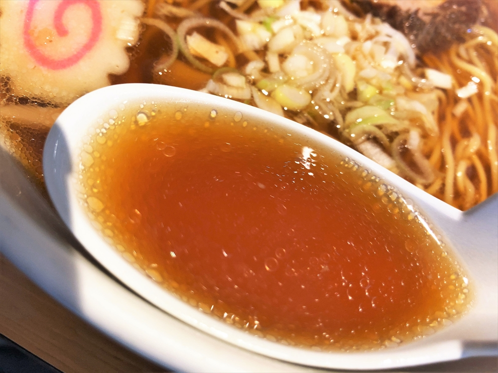 めしや 朔軒「ラーメン」スープ