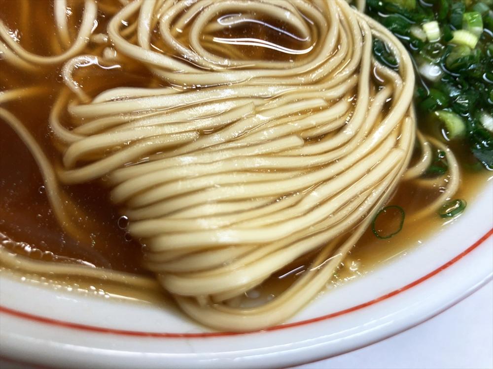 中華そば 北京屋「ラーメン」麺