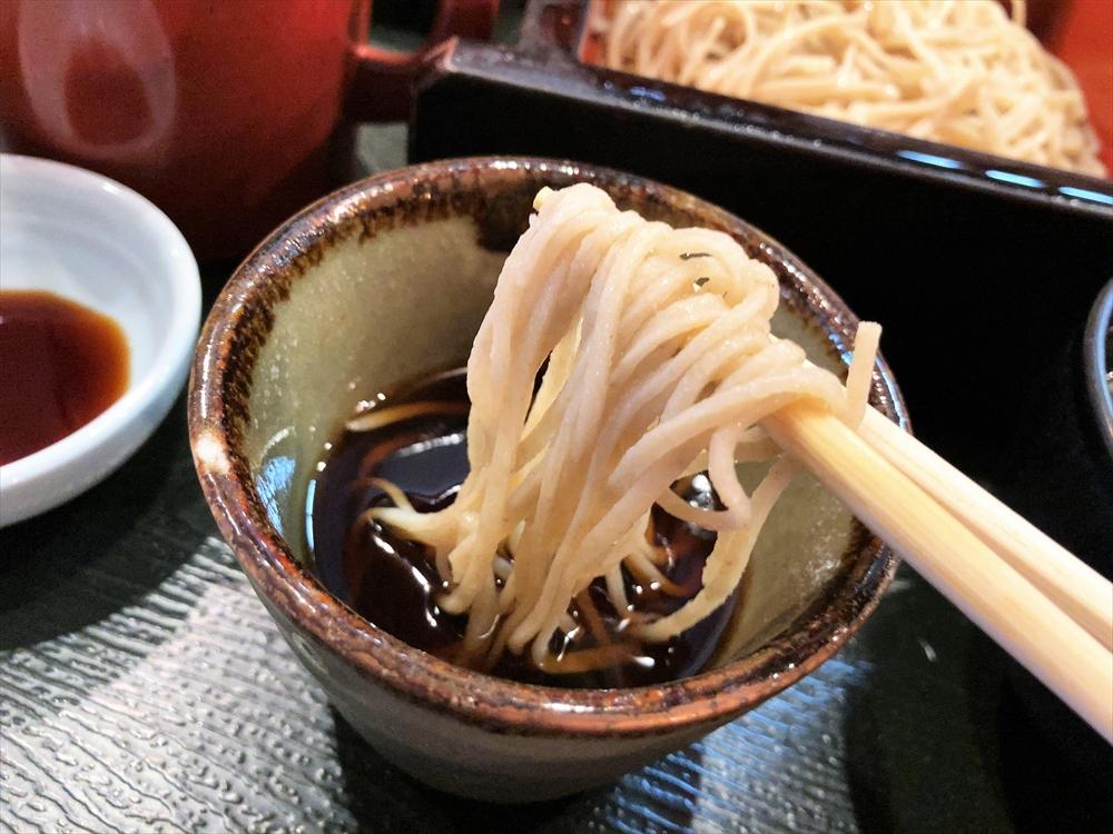 酒と肴と手打ち蕎麦 百里「かつを丼 そばセット」蕎麦