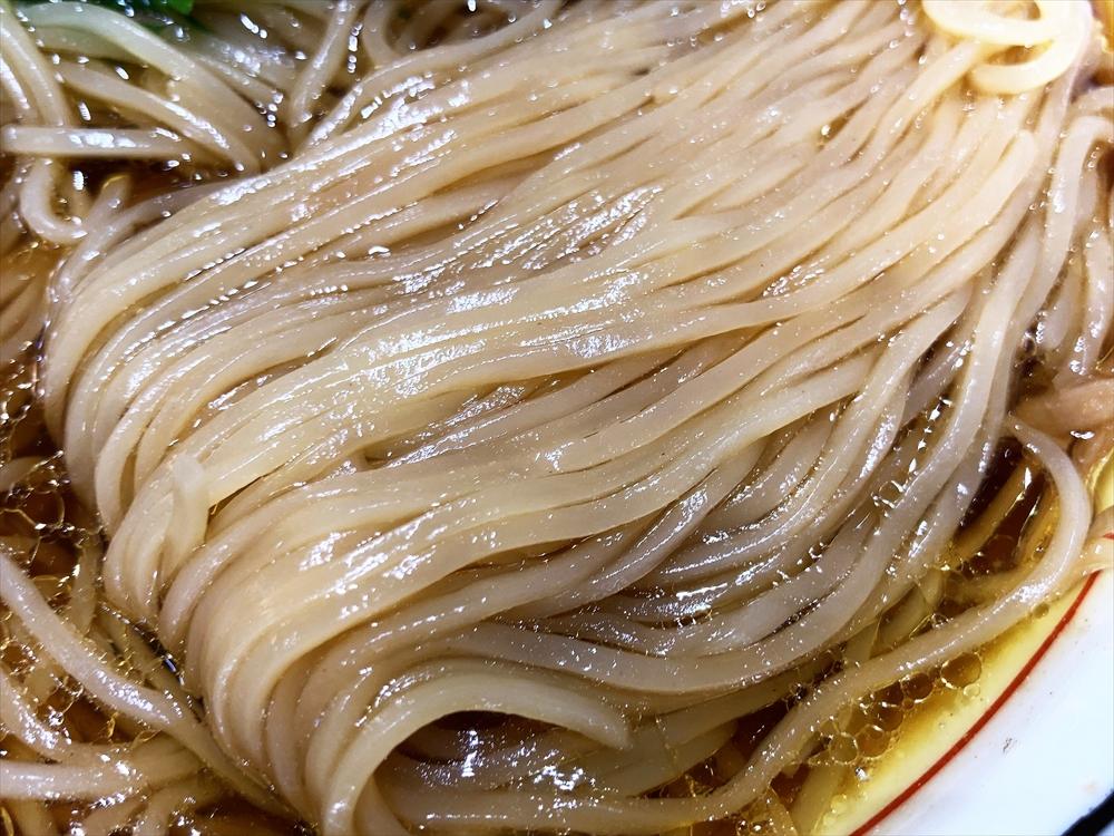 中華そば 楽描「浜北コーチン 中華そば しょうゆ」麺