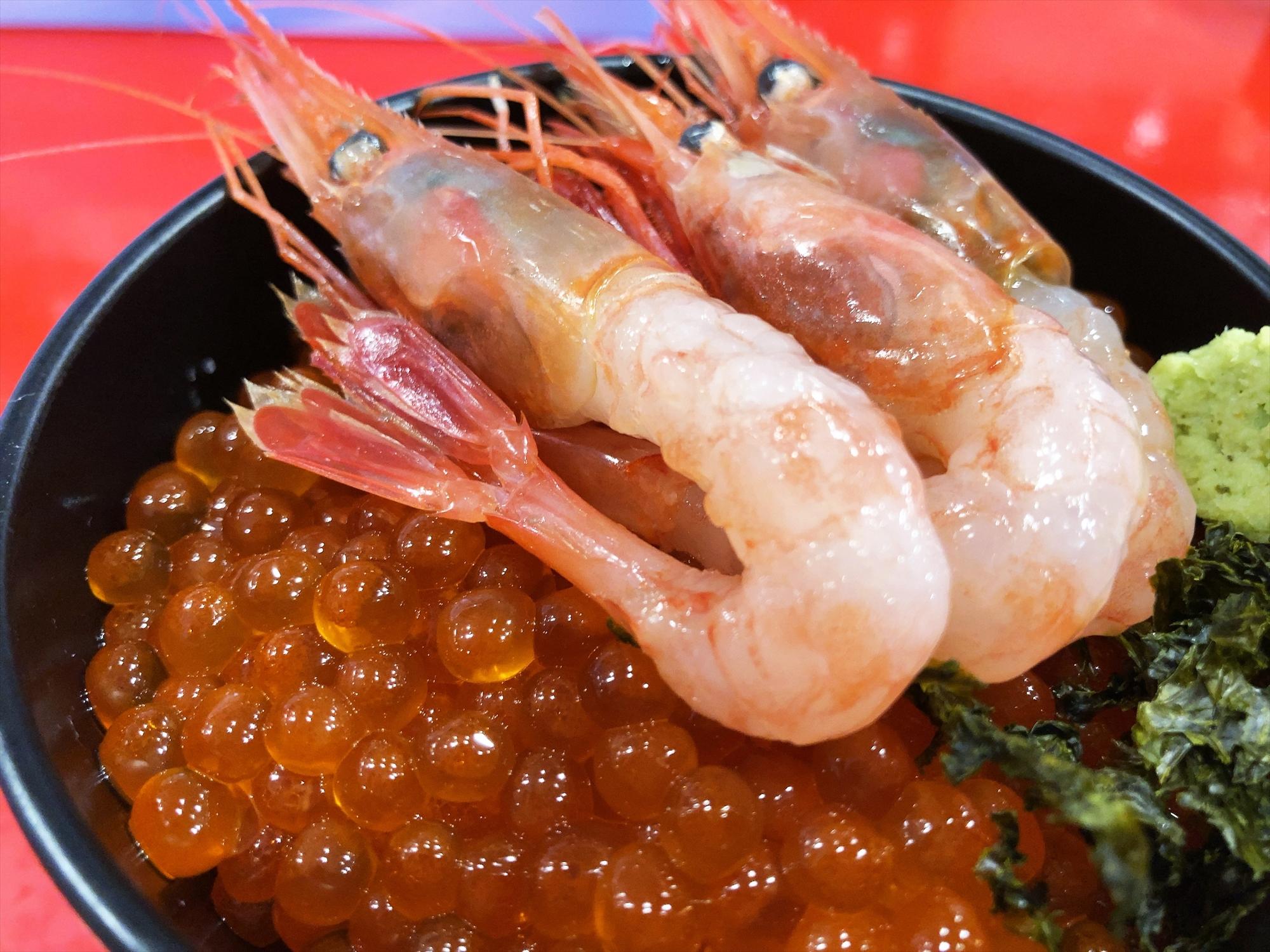 汁なし担々麺っぽい専門店 ラボラトリー「2色丼」