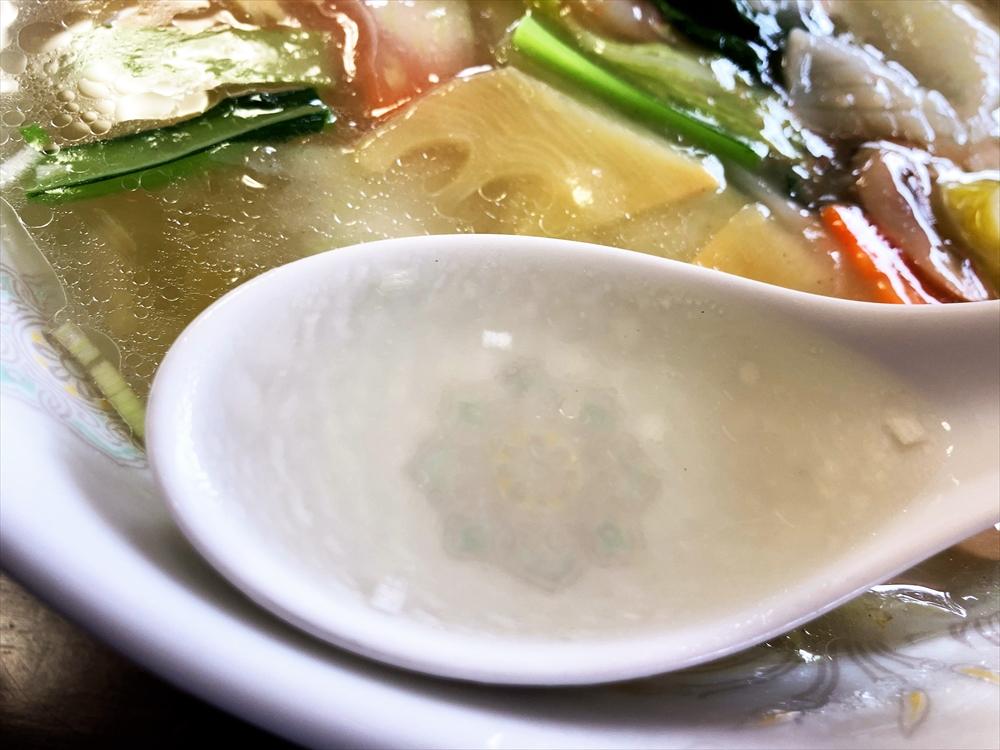はなや「海鮮ラーメン」スープ