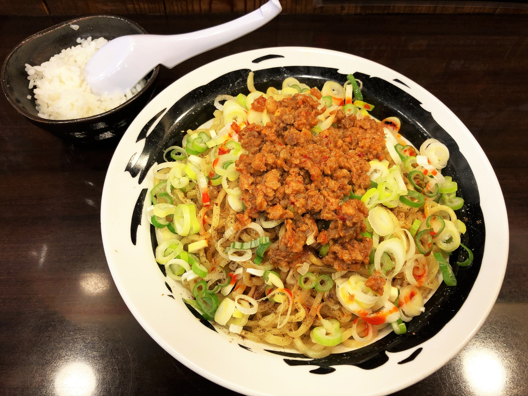 麺屋 つけ丸 有楽店「シビ辛汁なし坦々麺(大盛り)」