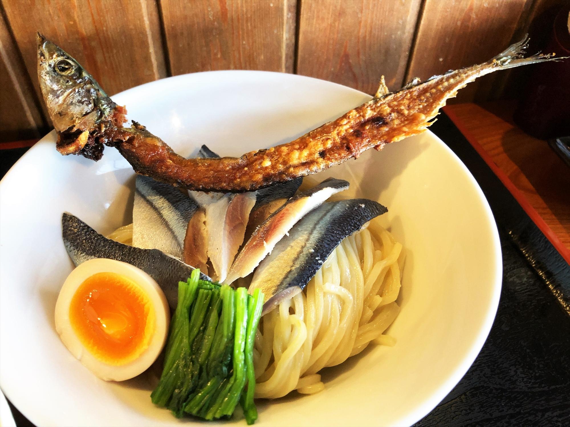 麺創 なな家「酢じめサンマの柚子味噌つけ麺」麺