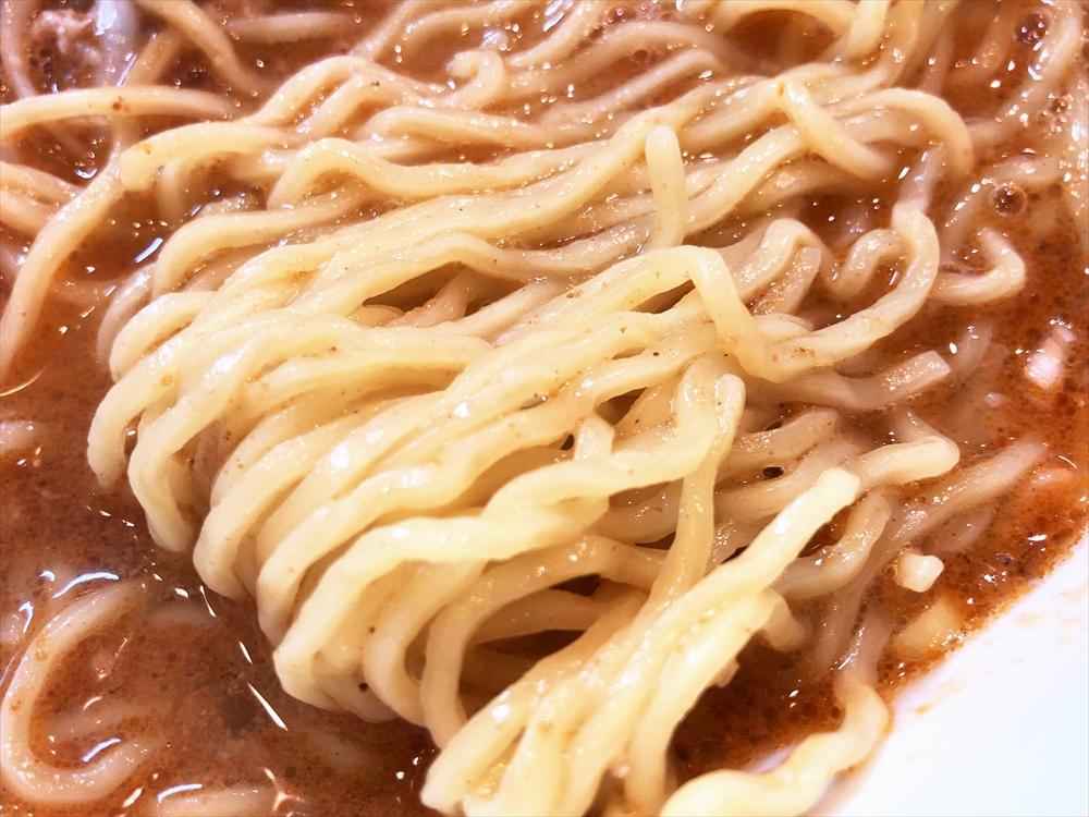 錦華楼 千歳本店「ごまラーメン」麺