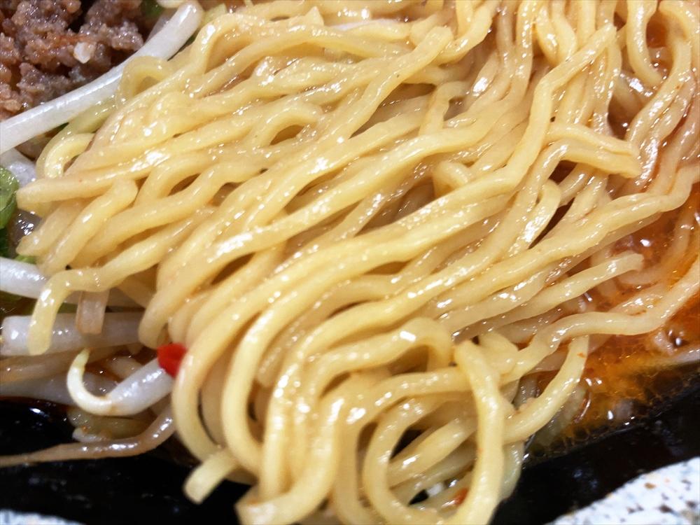 らーめん 藍麻翔「辛味噌らーめん」麺