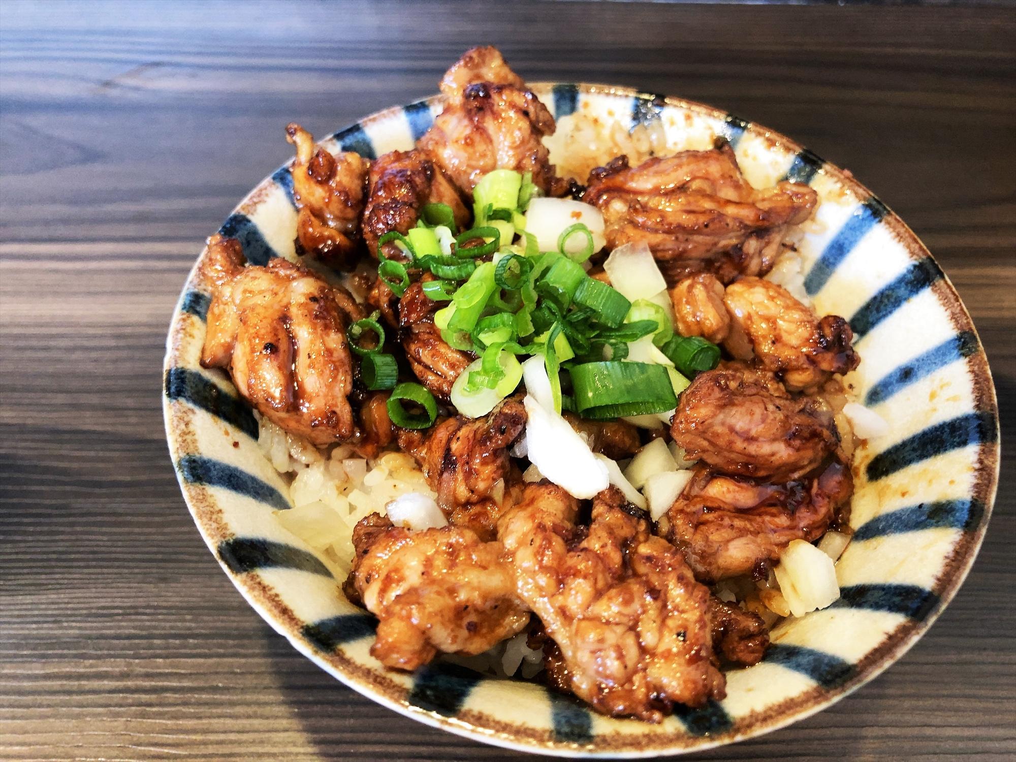 時代麺房 ライオン「ハラミ丼」