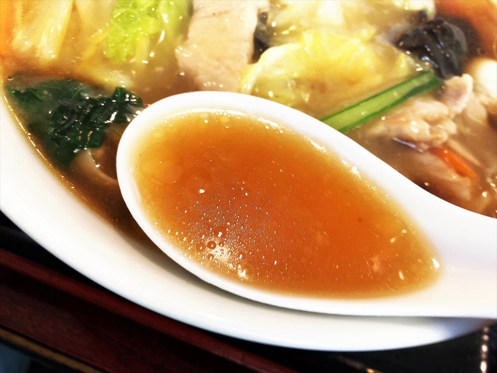留園支店「五目ラーメン」スープ
