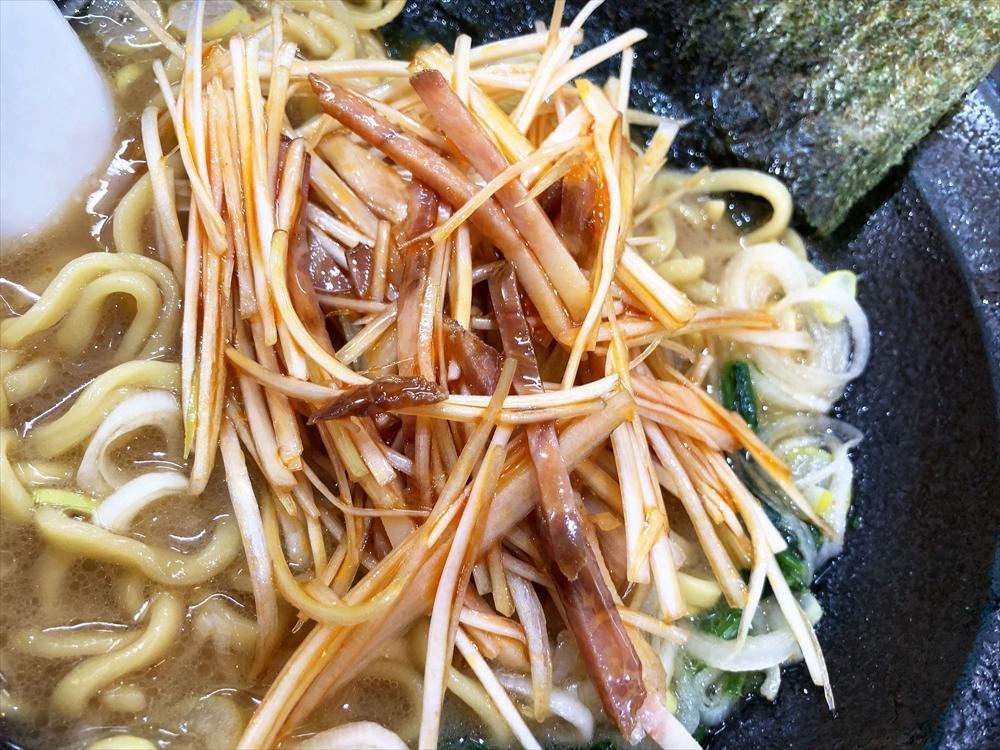 蔵前家「大ラーメン」麺