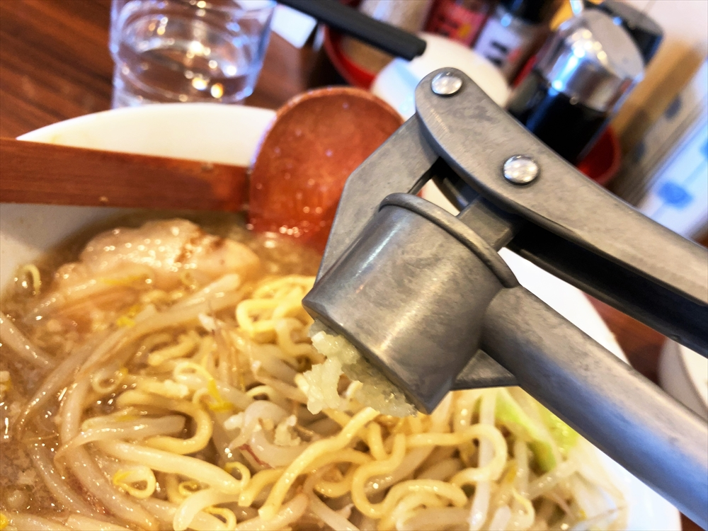 麺の房 味わい亭「マンモスらーめん2020」味変