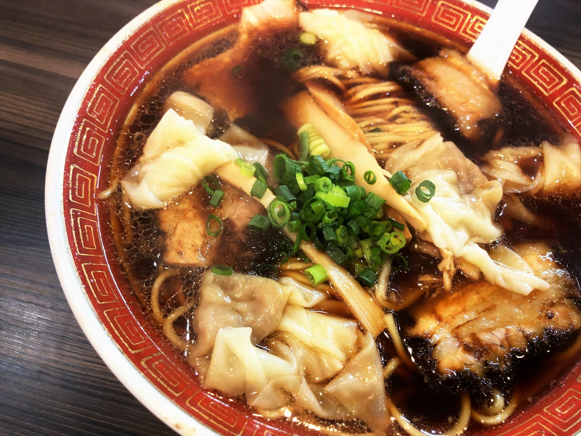 時代麺房 ライオン「ワンタンメン」