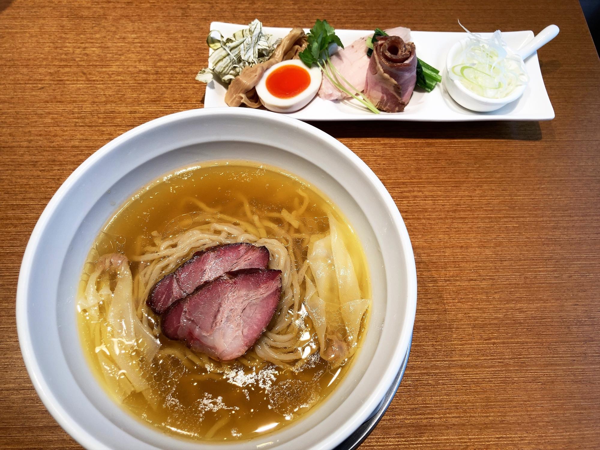麺創房 LEO「黄金天然塩そば」