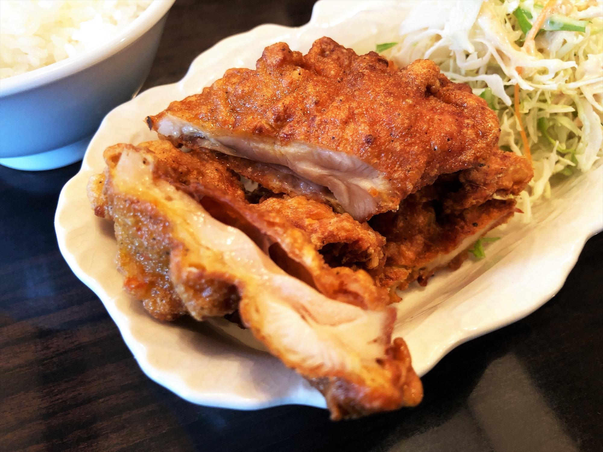 場中国料理 999 小籠包「唐揚げ及びライス」