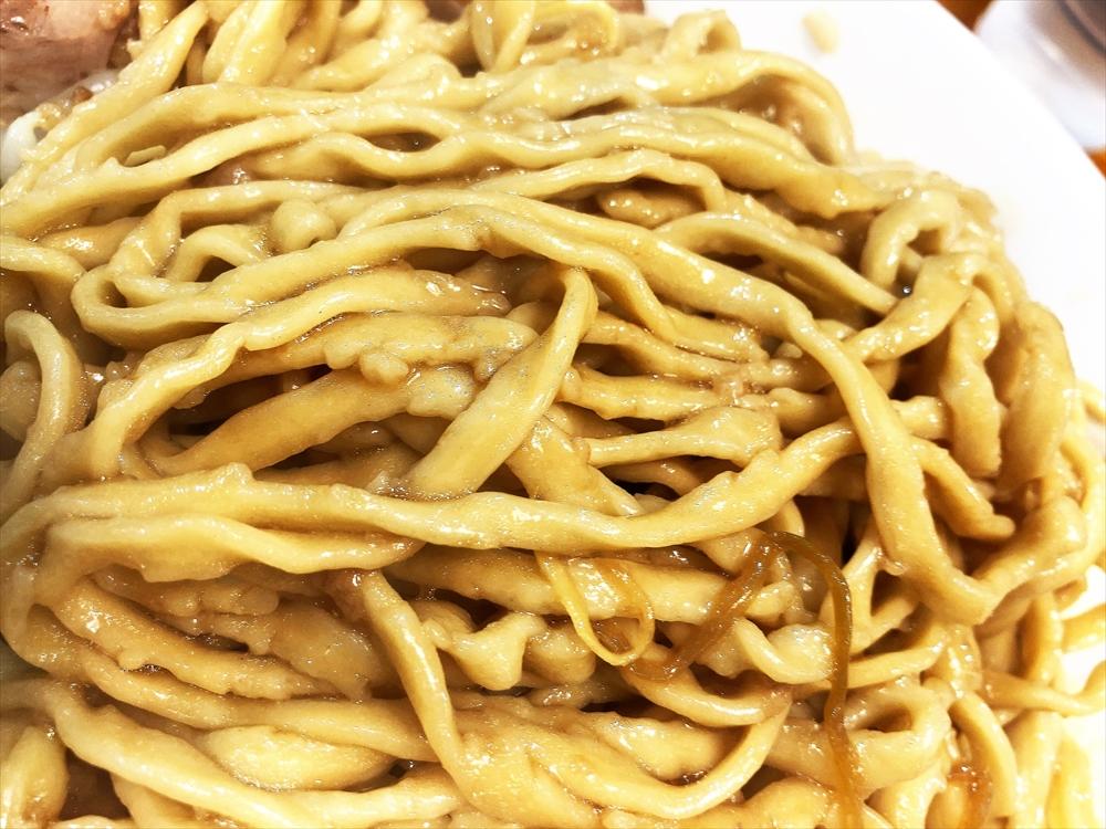 ラーメン山 まさか「汁なし」麺